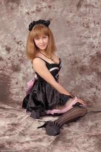 http://img196.imagevenue.com/loc389/th_232663795_Silver_Sandrinya_maid_3_058_122_389lo.jpg