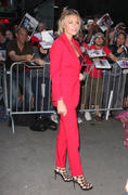 http://img196.imagevenue.com/loc405/th_090604034_Blake_Lively_Outside_Good_Morning_America_studios10_122_405lo.jpg