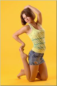 http://img196.imagevenue.com/loc474/th_278900907_tduid300163_sandrinya_model_denimmini_teenmodeling_tv_033_122_474lo.jpg