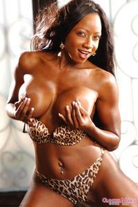 Busty Ebony Babe Diamond Jackson
