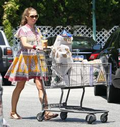 Ребекка Гэйхарт, фото 606. Rebecca Gayheart - Shopping LA - 30/07/11, foto 606